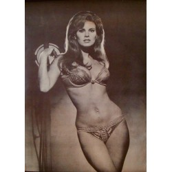 Raquel Welch: Bedazzled (1970)
